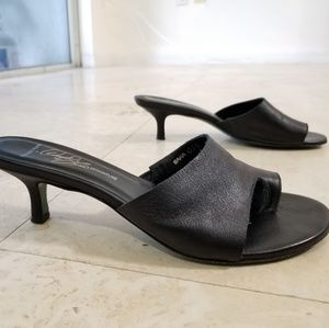 Donald J. Pliner slip on heeled sandals 7.5 M